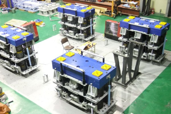 Vertical type Tuned Mass Damper(TMD) for 2nd Jindo Bridge